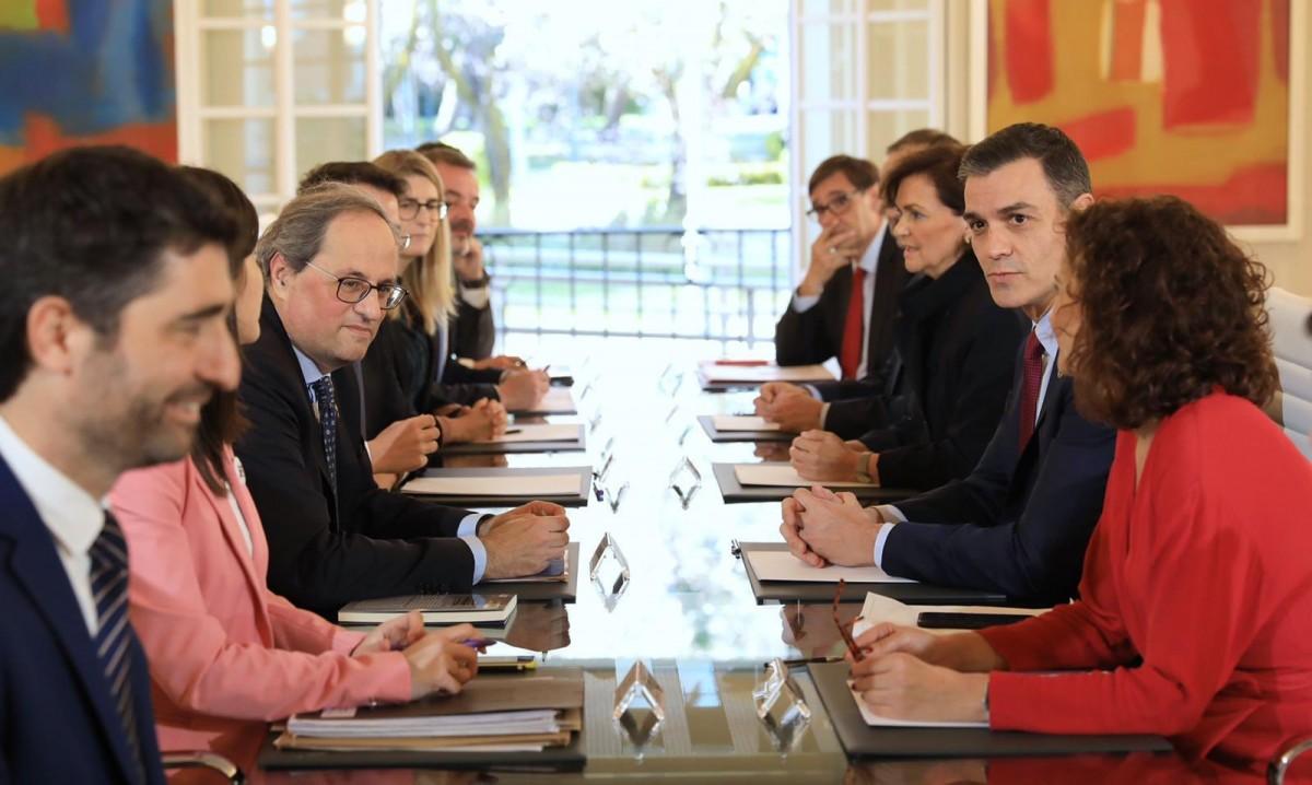 Primera reunió de la taula de diàleg a la Moncloa.