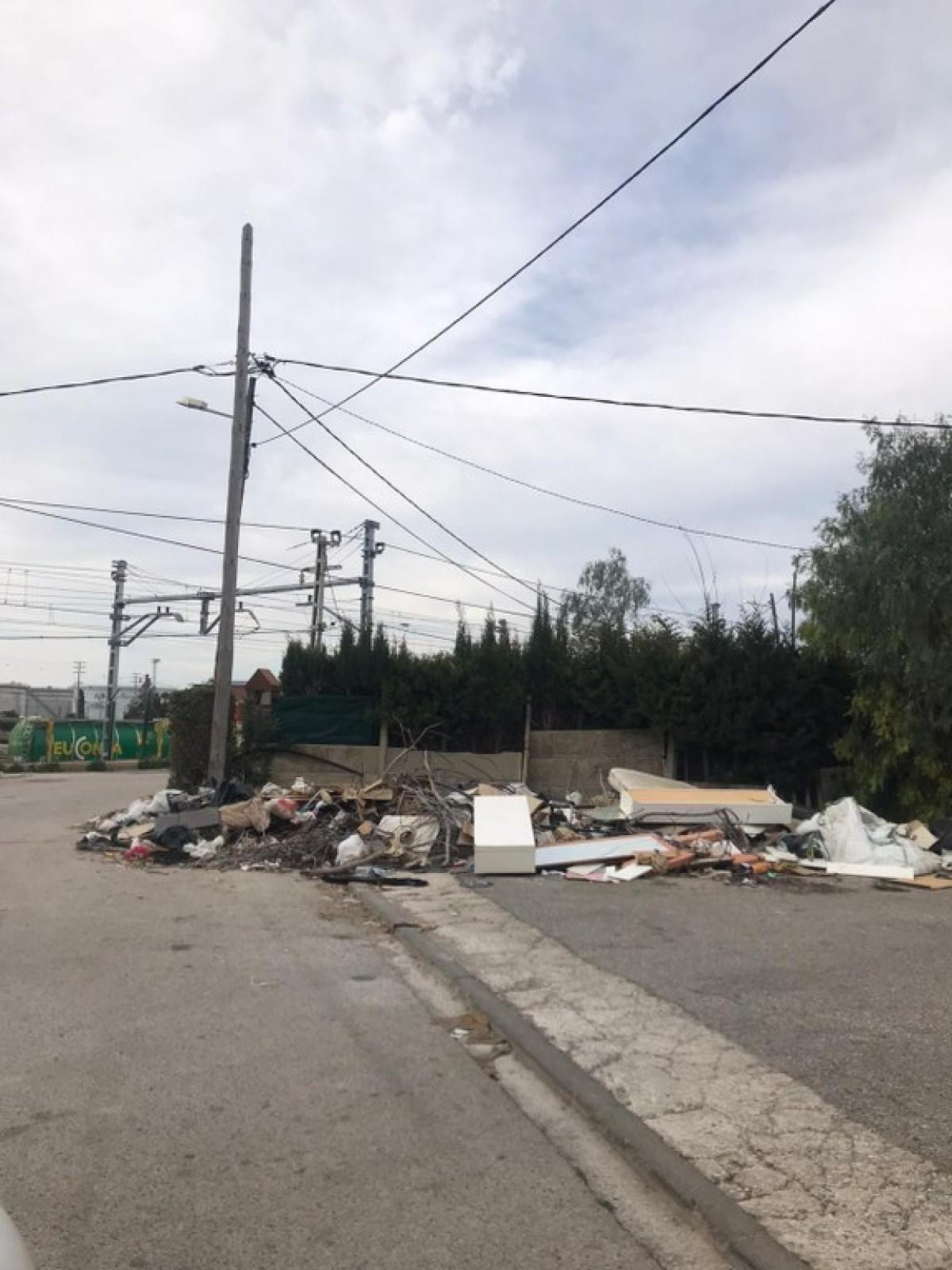 Una de les sancions és de 4.000 euros a una empresa constructora que va abocar runa a un solar municipal al polígon de Les Gavarres