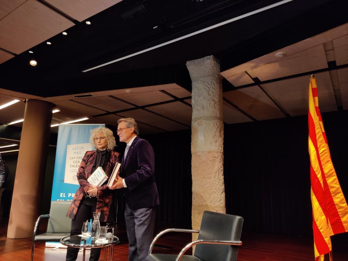 Artur Mas, amb Mònica Terribas, a la presentació del seu llibre