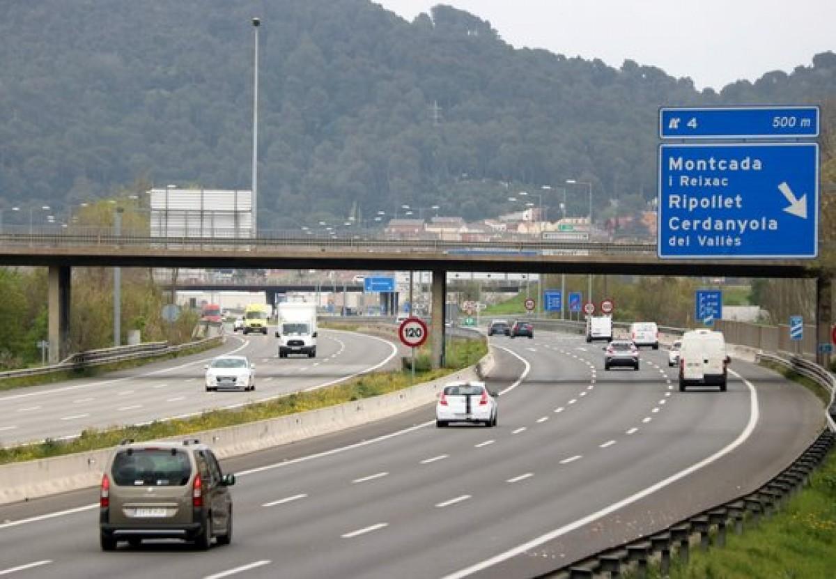 La C-58 al seu pas pels municipis de Cerdanyola i Ripollet.
