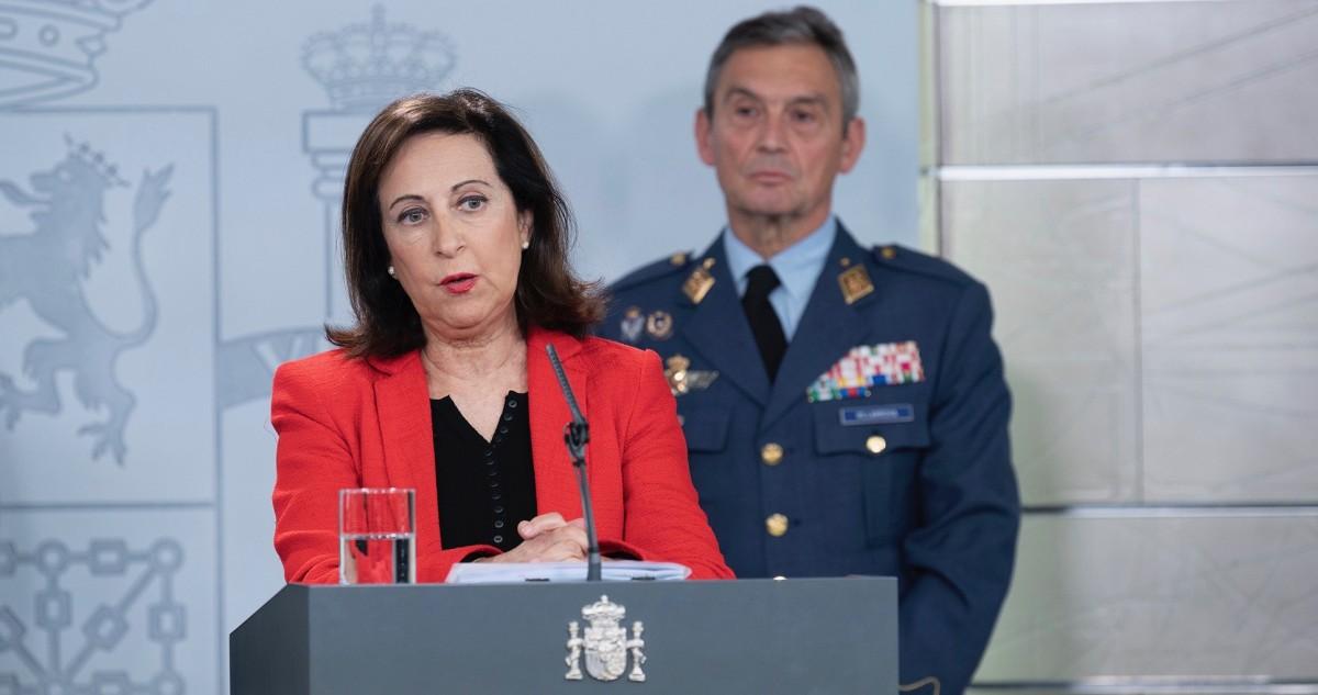 La ministra espanyola de Defensa, Margarita Robles, anunciant el desplegament de la Unidad Militar de Emergencias (UME).