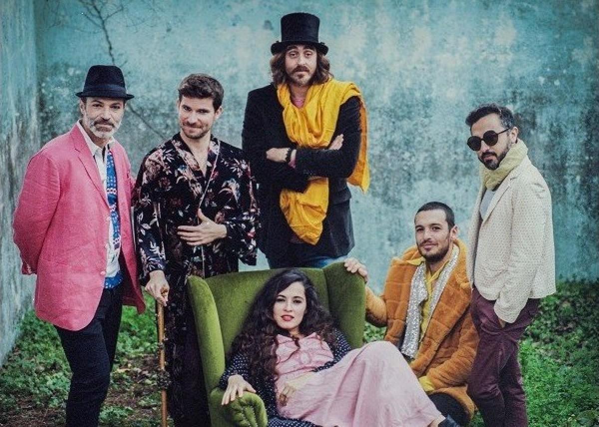 Sílvia Pérez Cruz amb la Farsa Circus Band