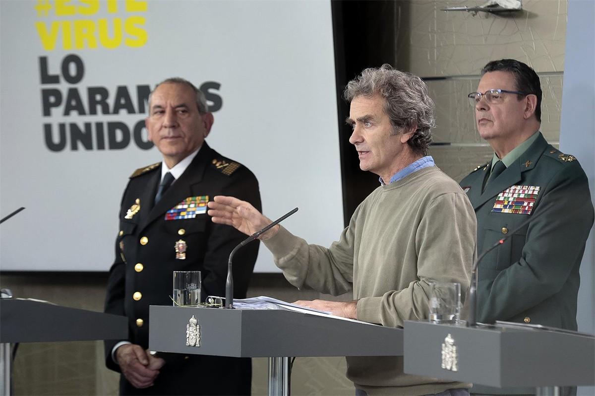 Laurentino Ceña, darrere de Simón i González