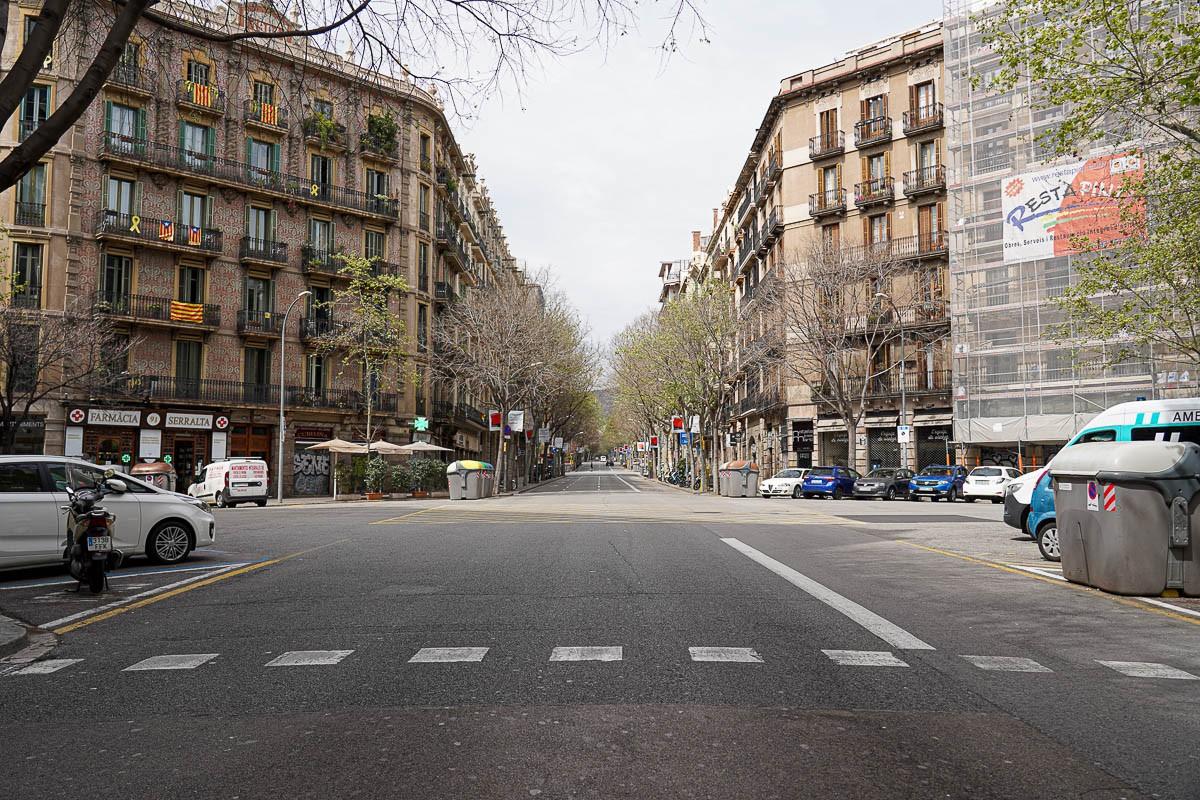Els carrers de Barcelona s'han anat buidant amb el pas dels dies.