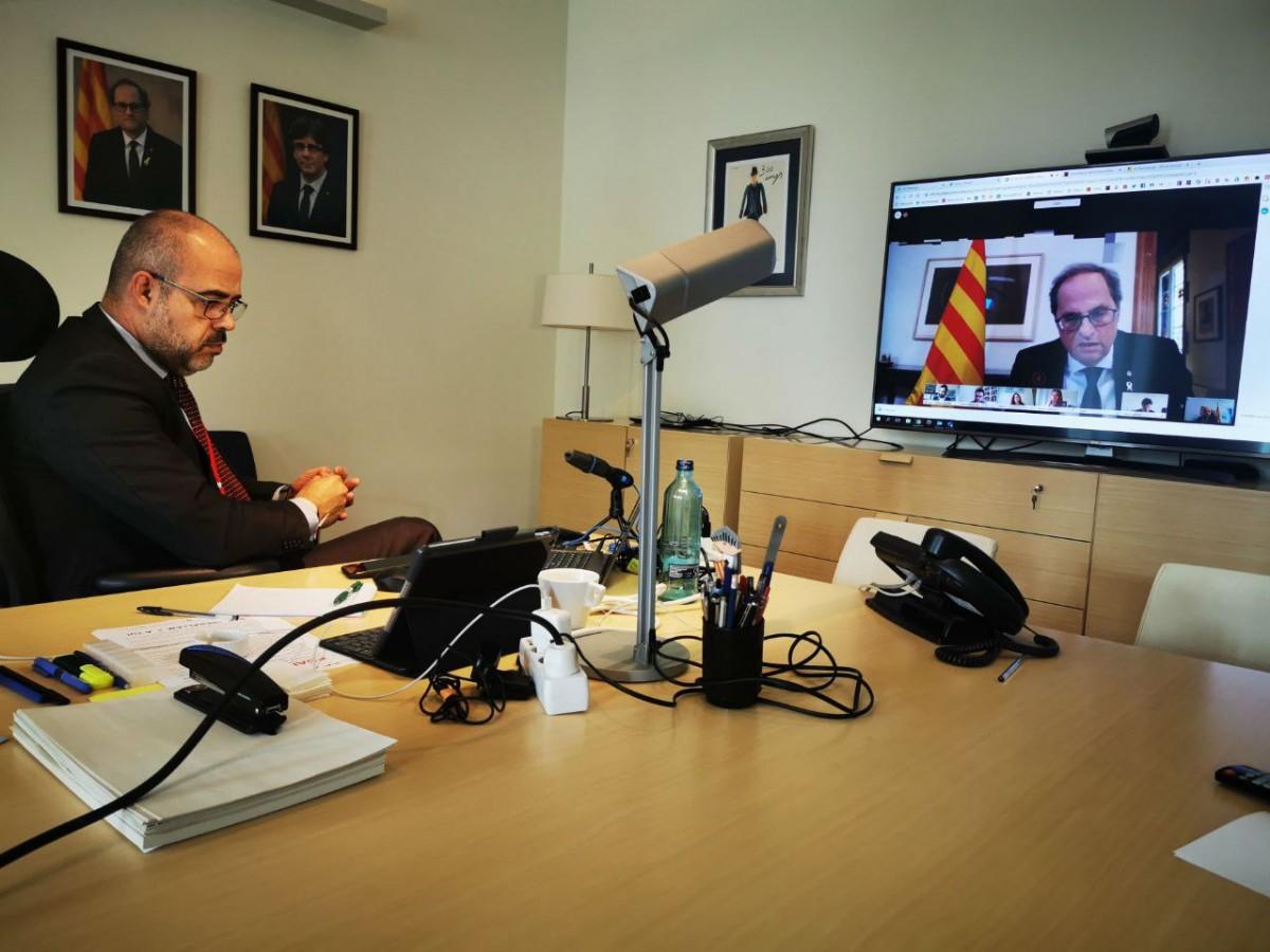 Miquel Buch, conseller d'Interior, aquest dimecres al seu despatx