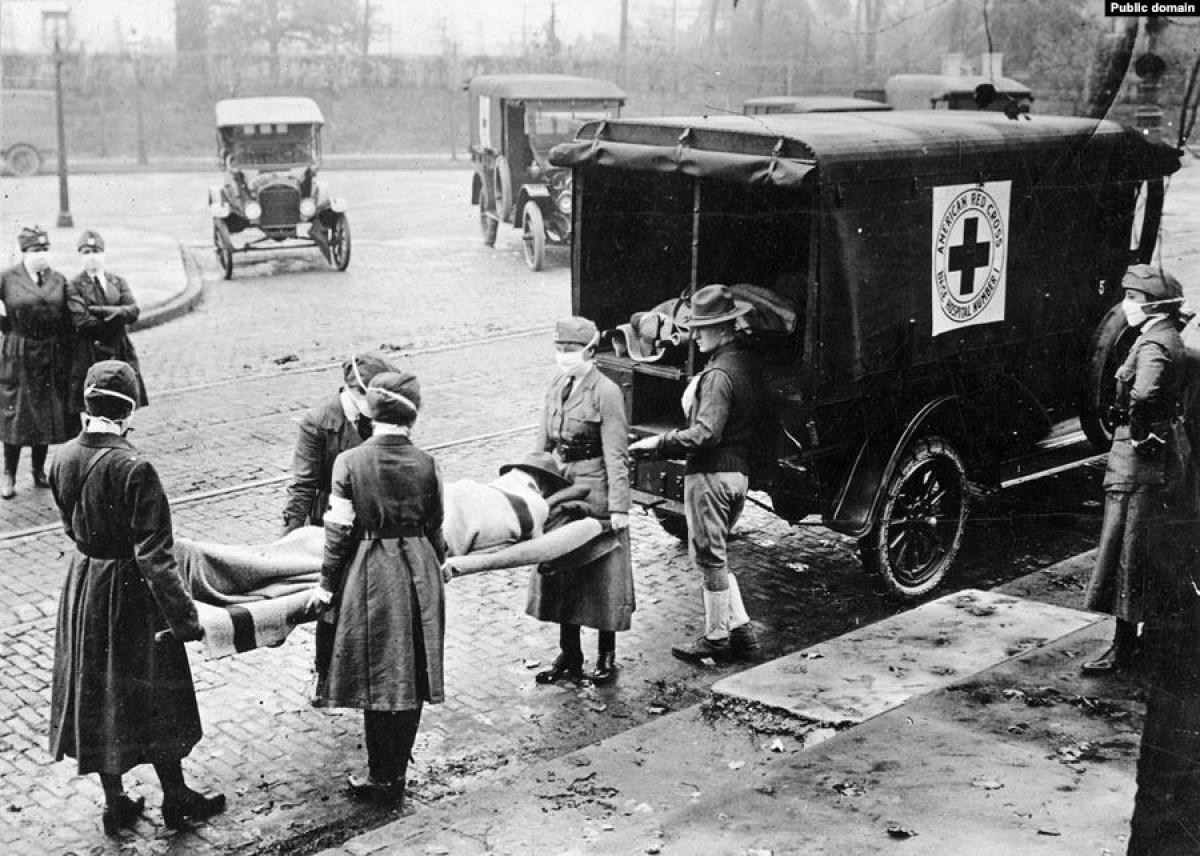 Portadores de la Creu Roja als EUA, on s'estima que podria haver començat la grip de 1918.