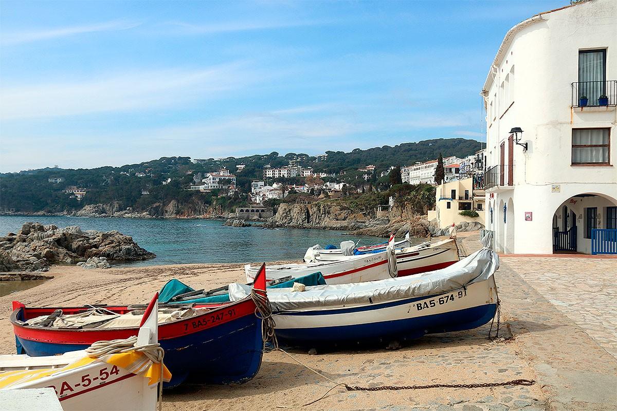 Les barques de la platja de Calella de Palafrugell