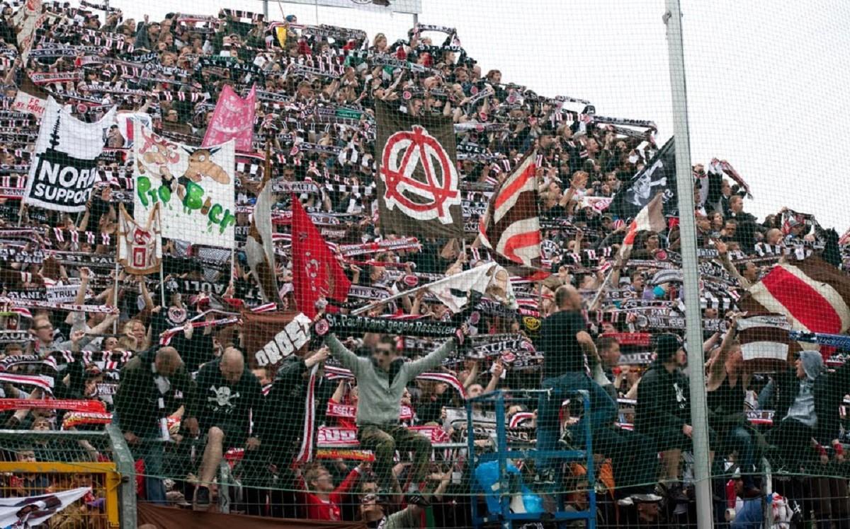 Aficionats del Sankt Pauli.