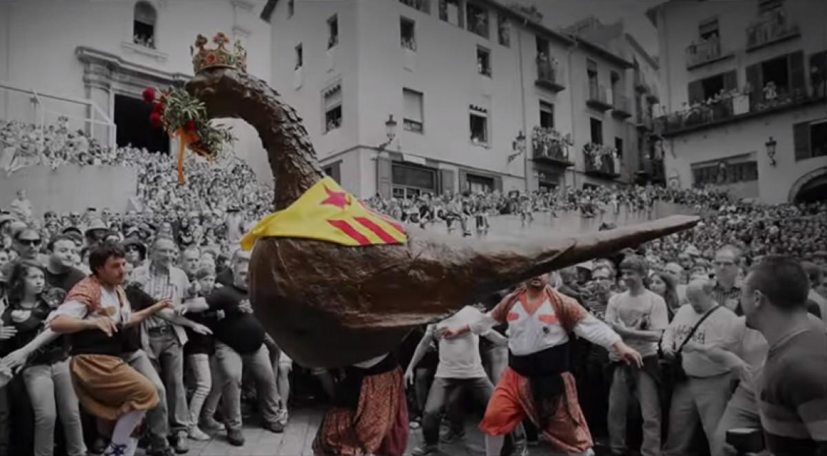 La Cobla Ciutat de Berga estrena la versió confinada de l'emblemàtic ball de l'Àliga.