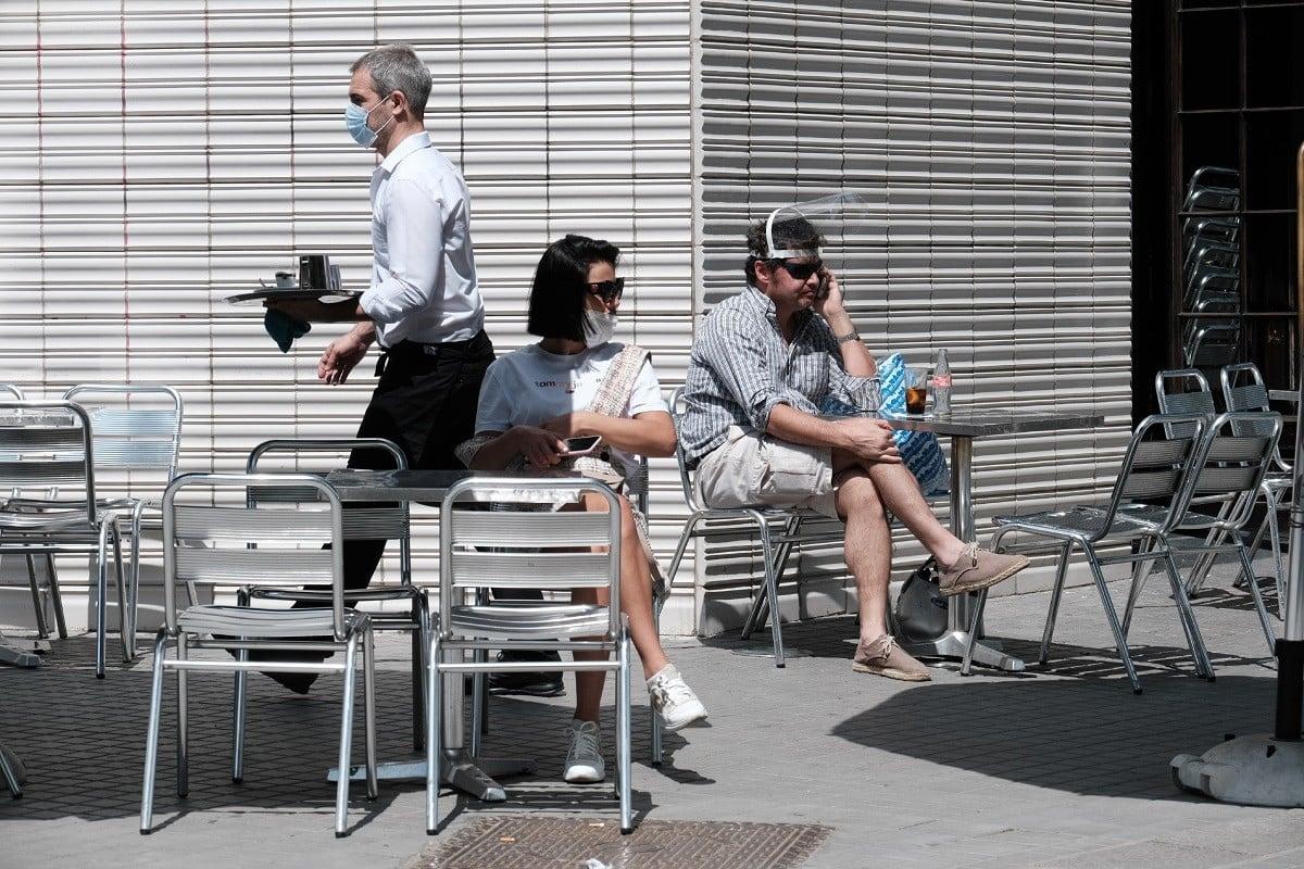 El mític cafè Zurich ha obert la terrassa aquest dilluns