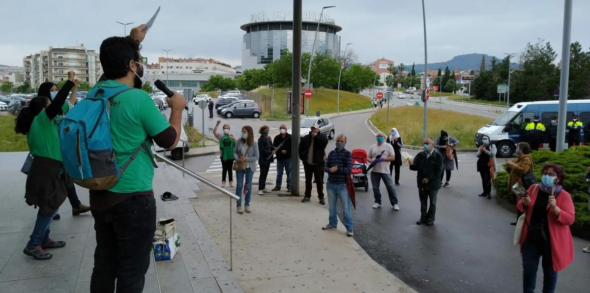 Protesta de la PAH davant els jutjats de Terrassa.