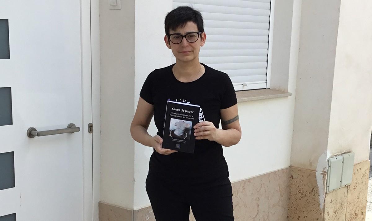 Assumpta Arasa ha escrit 'Cases de Paper', durant el confinament, a Santa Bàrbara
