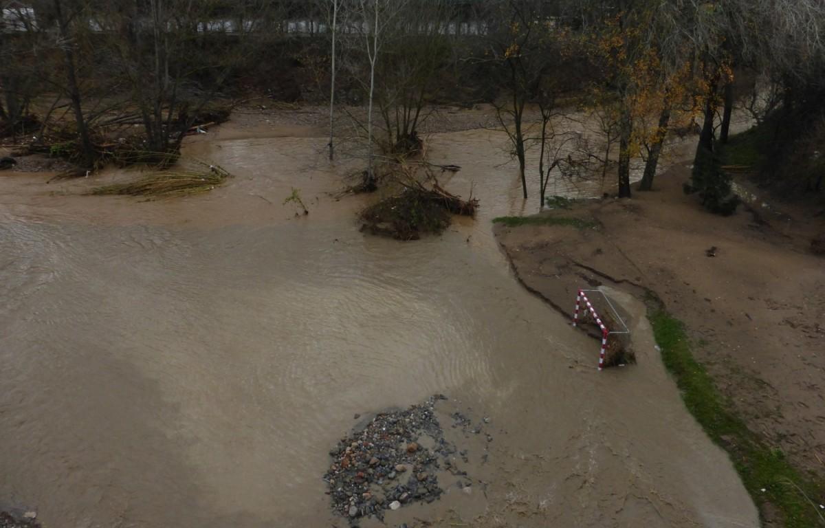 Inundació de la llera major de la Tordera a l'aiguabarreig amb la riera de Vallgorguina des del Pont Trencat.