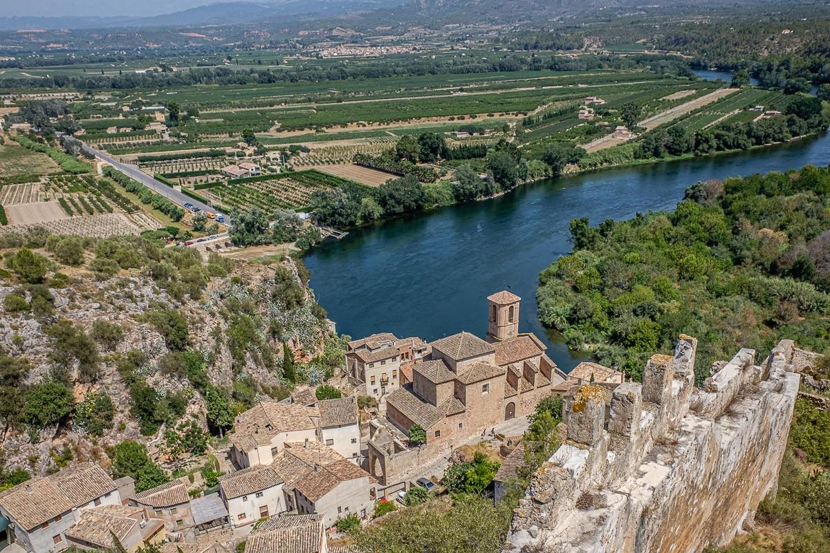 El castell de Miravet i el riu Ebre