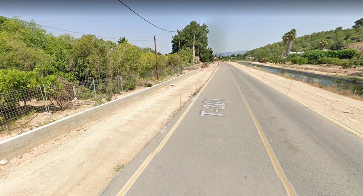 Carretera T-301 al seu pas per Tortosa