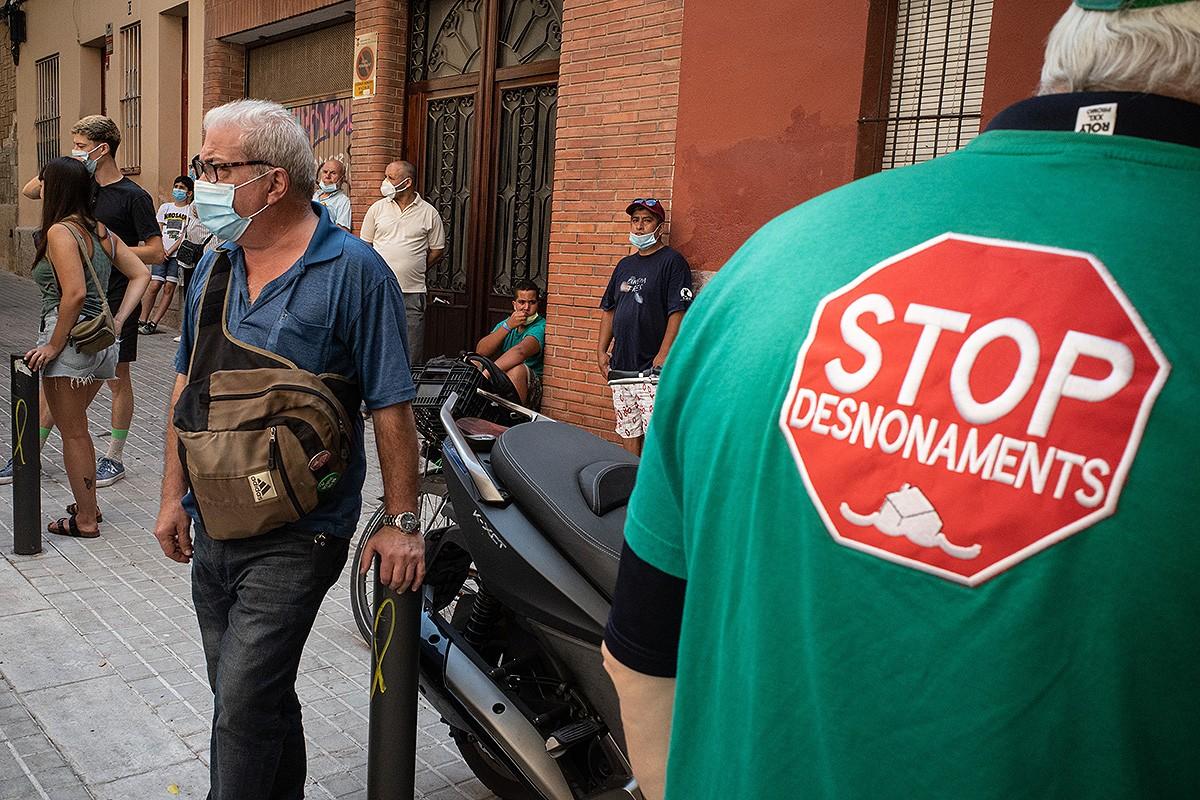 Protesta contra un desnonament a l'Hospitalet de Llobregat
