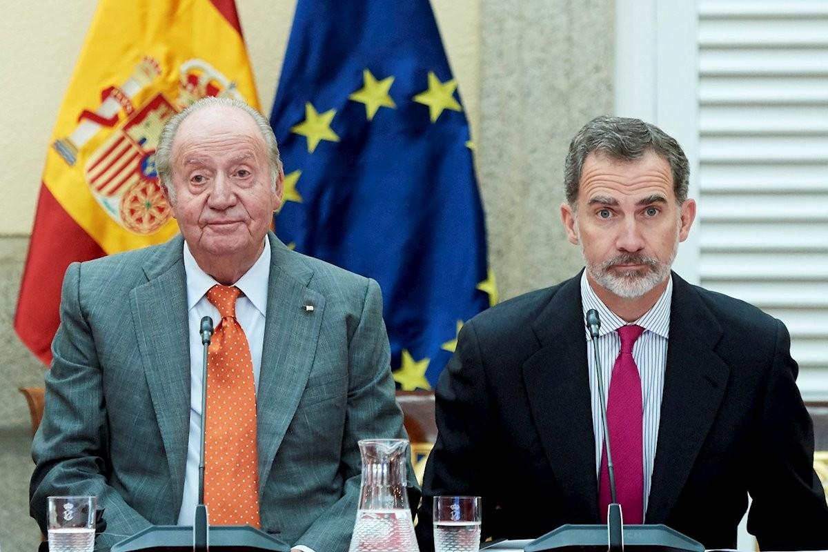 El rei emèrit Joan Carles I i el monarca espanyol actual, Felip VI