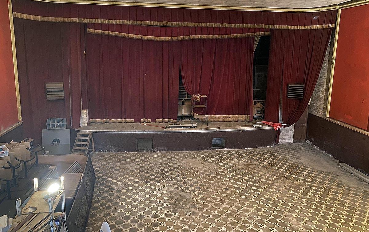 El Teatre Orient de Prats de Lluçanès