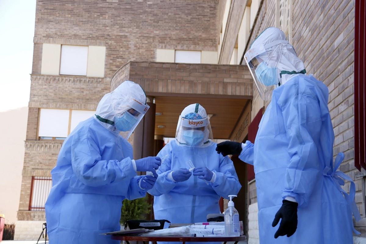 La ciutat de Barcelona concentra la majoria de nous contagis.