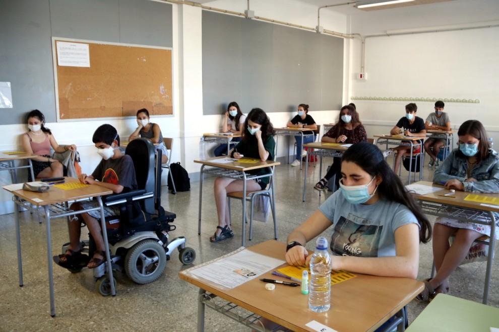 Una aula amb alumnes preparats per examinar-se de selectivitat a Tremp