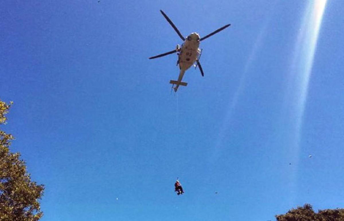 Un moment del trasllat en helicòpter.