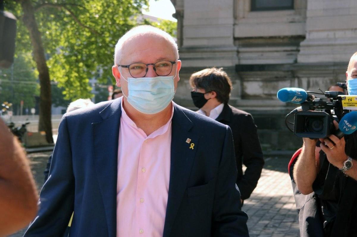 Lluís Puig, aquest matí poc abans de conèixer la decisió del jutge belga sobre la seva extradició