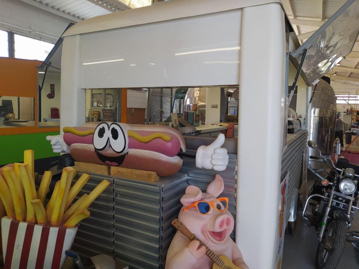 Un food truck, a Remolques Tarragona.