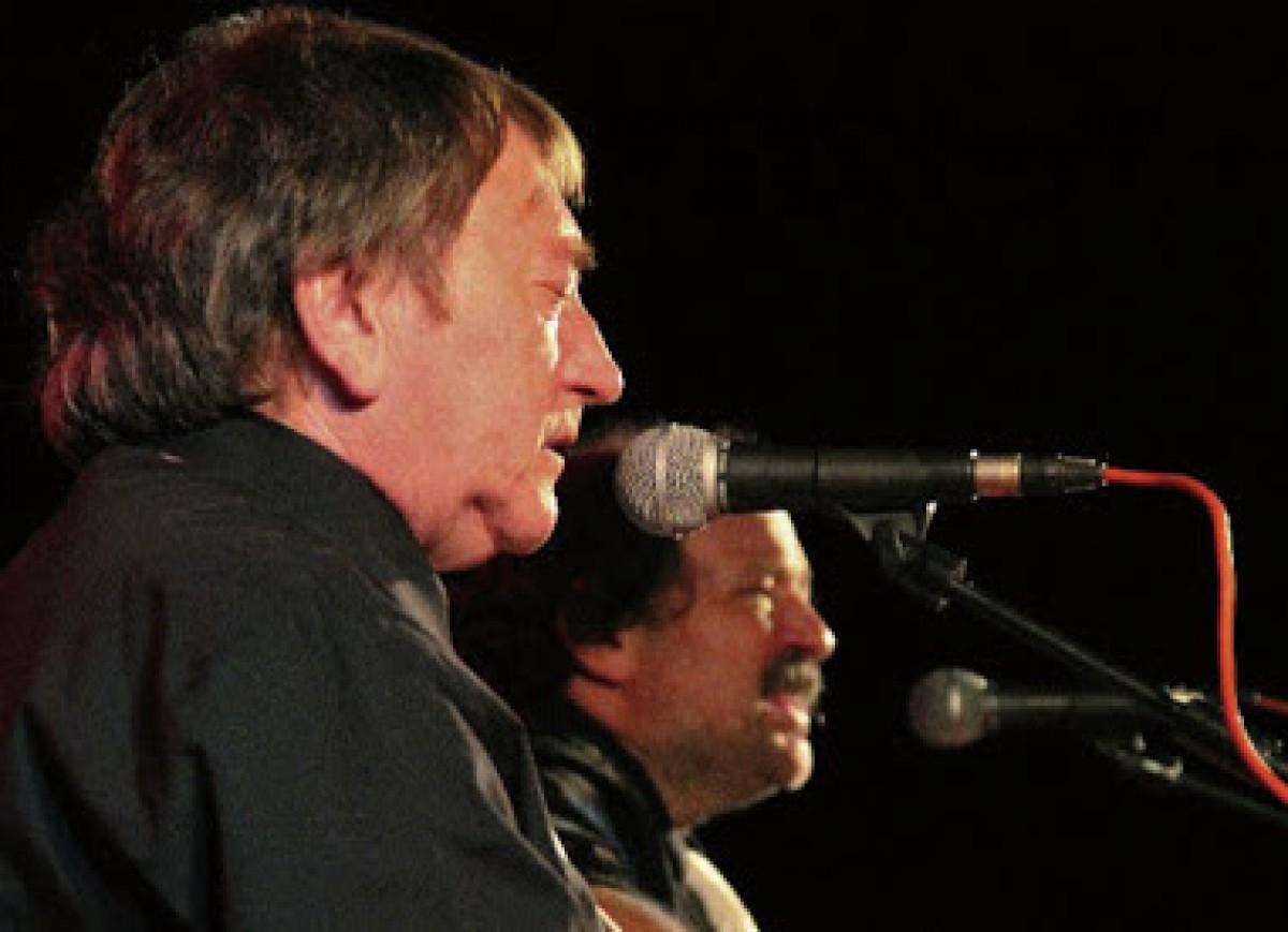 Déu n'hi Duo, amb Toni 'Vesper' Brossa a primer terme