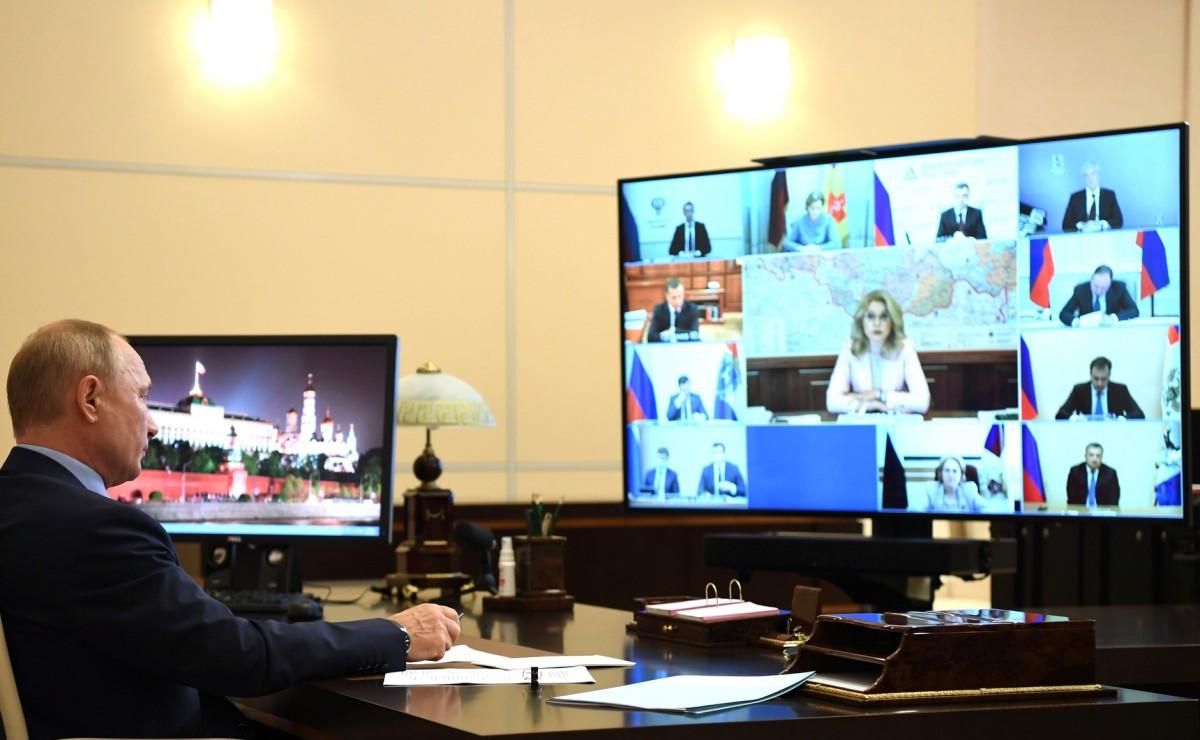 Putin, reunit per videoconferència amb autoritats sanitàries russes