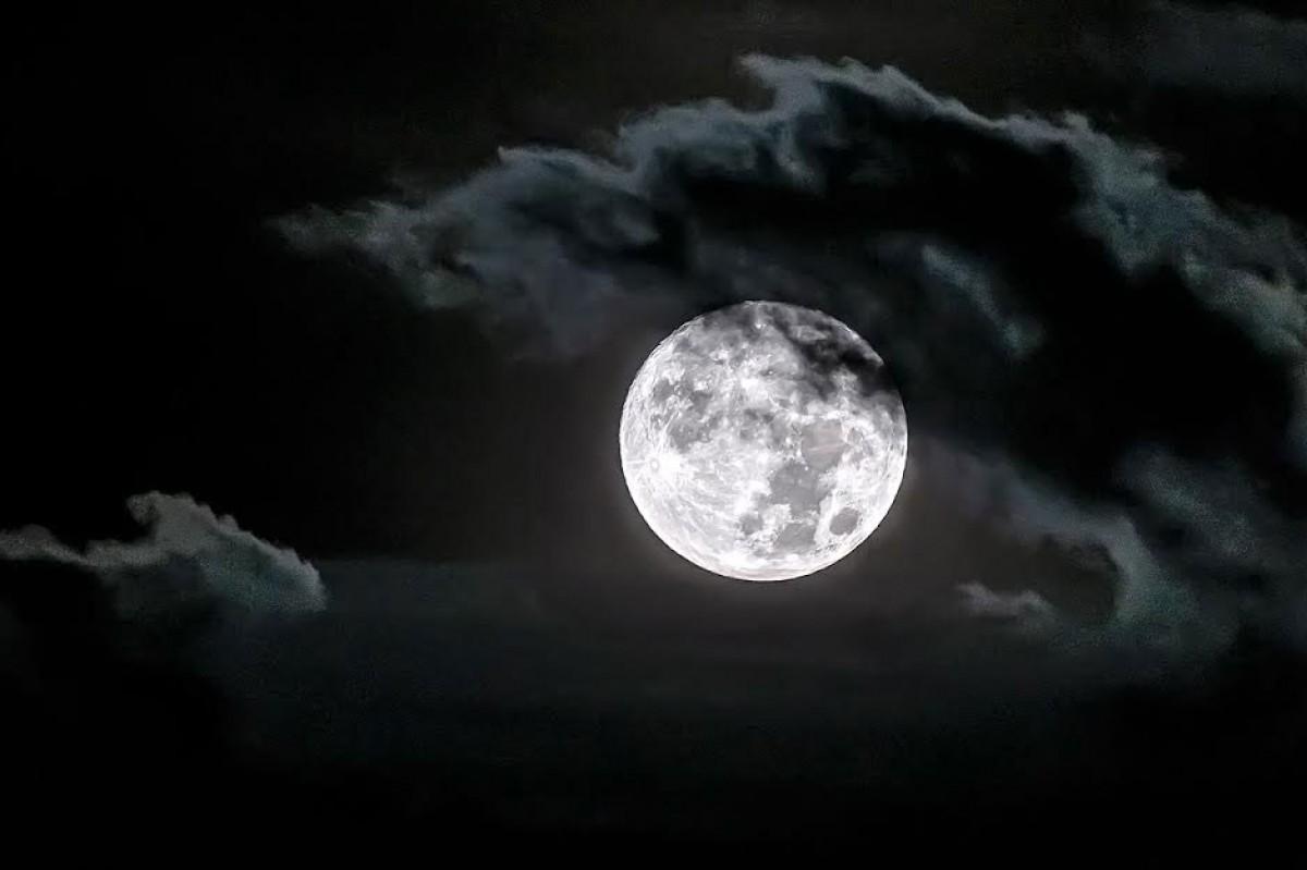 La Lluna entre boires