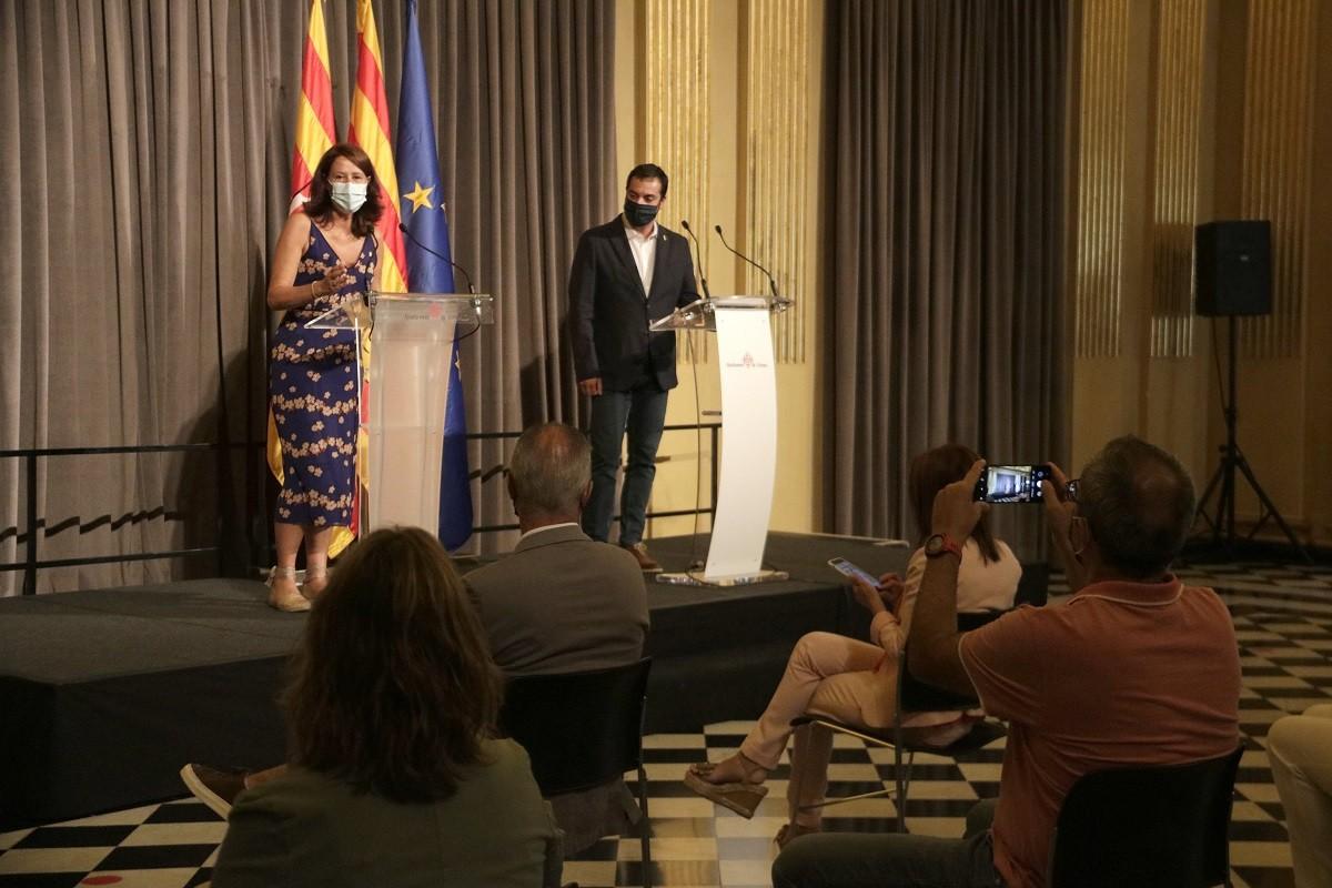 Marta Madrenas i Quim Ayats, en roda de premsa.