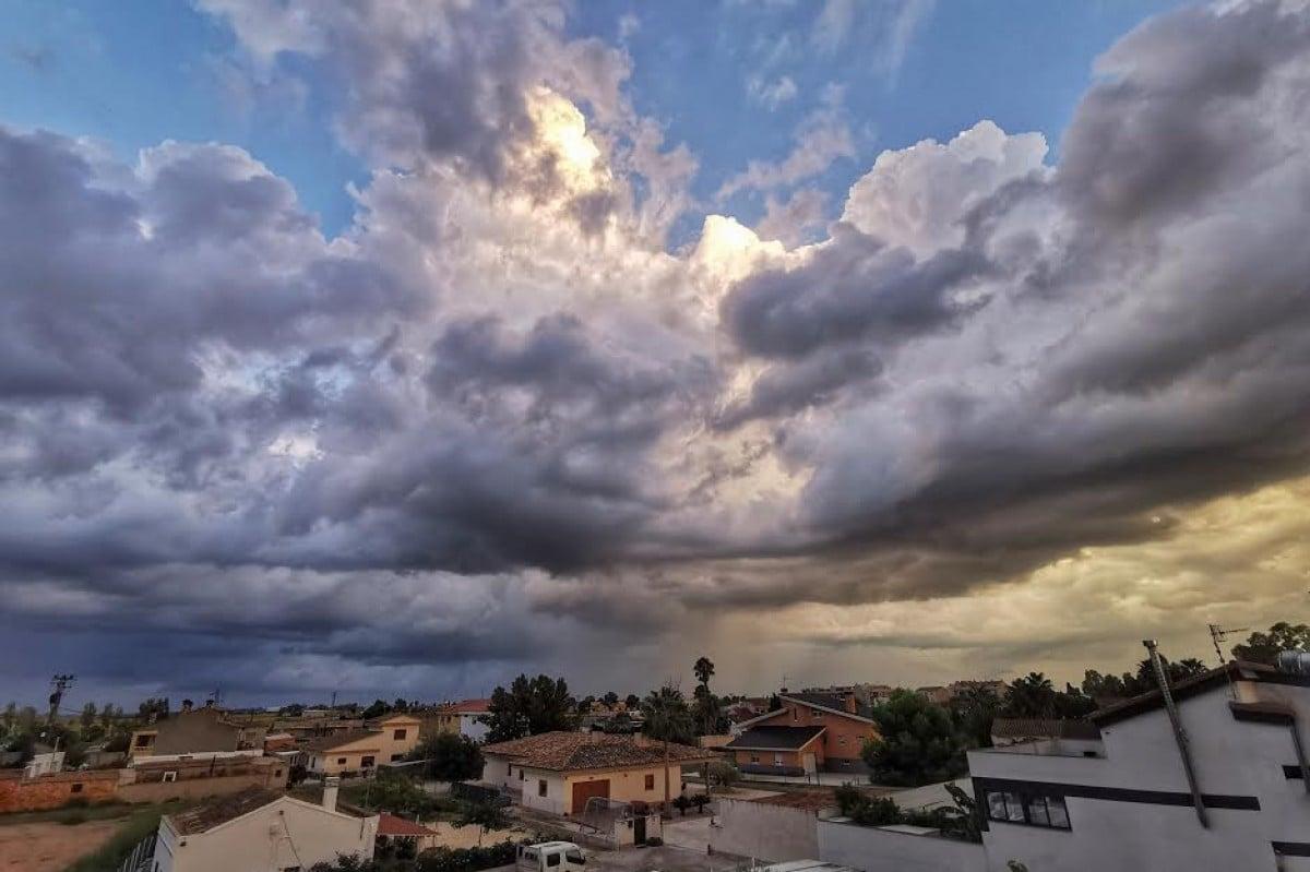 Tarda de tempesta al delta de l'Ebre.
