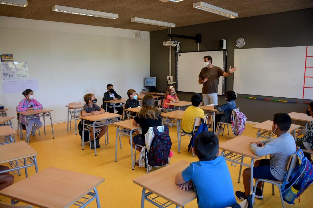 Distàncies de seguretat a dins de les aules