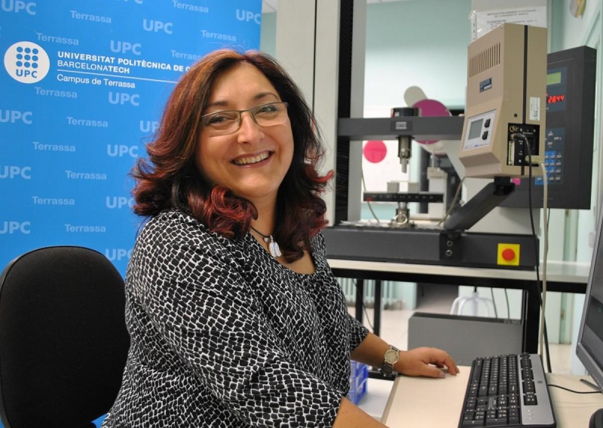 Núria Salán és professora a l'ESEIAAT de l'UPC i ara presentadora de televisió.
