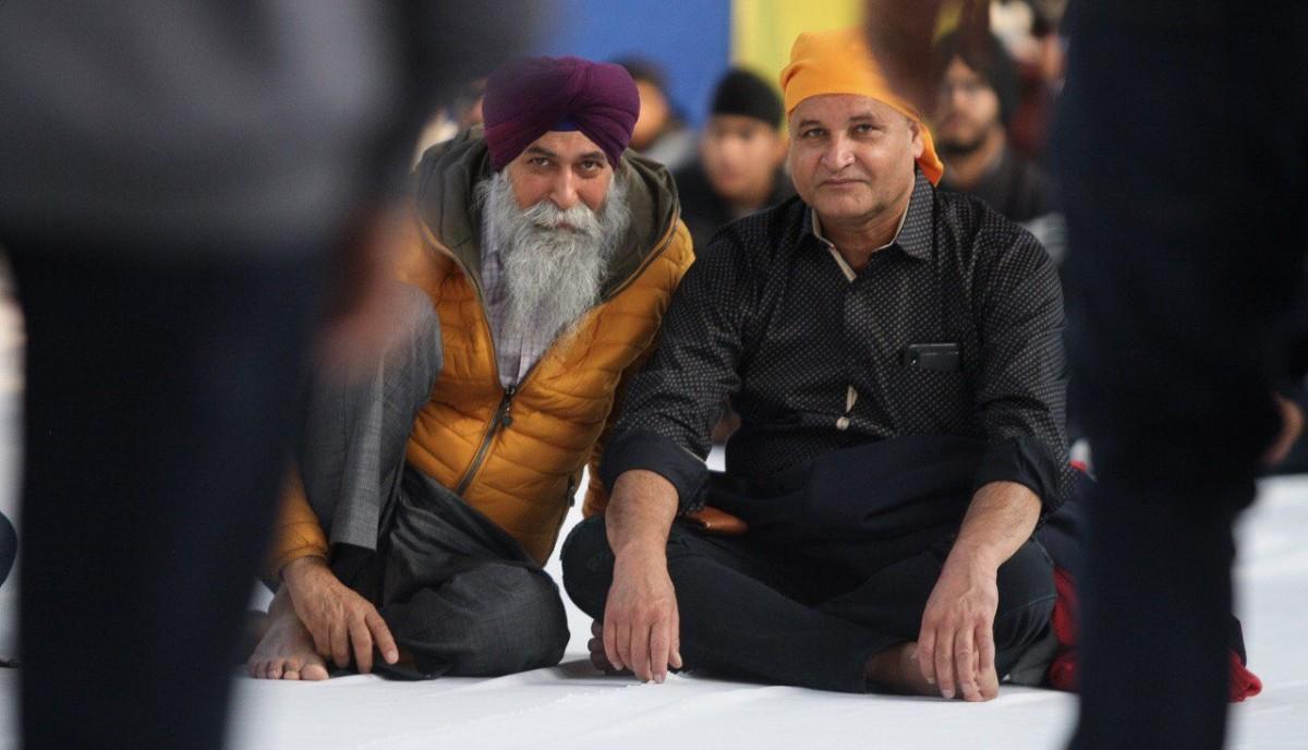 La comunitat Sikh, marginada a l'Índia, té una presència notable a Santa Coloma de Farners. A la imatge, celebració del 550è aniversari del naixement del fundador i gurú de la religió Sikh, 'Shri Guru Nanak Dev Ji'.
