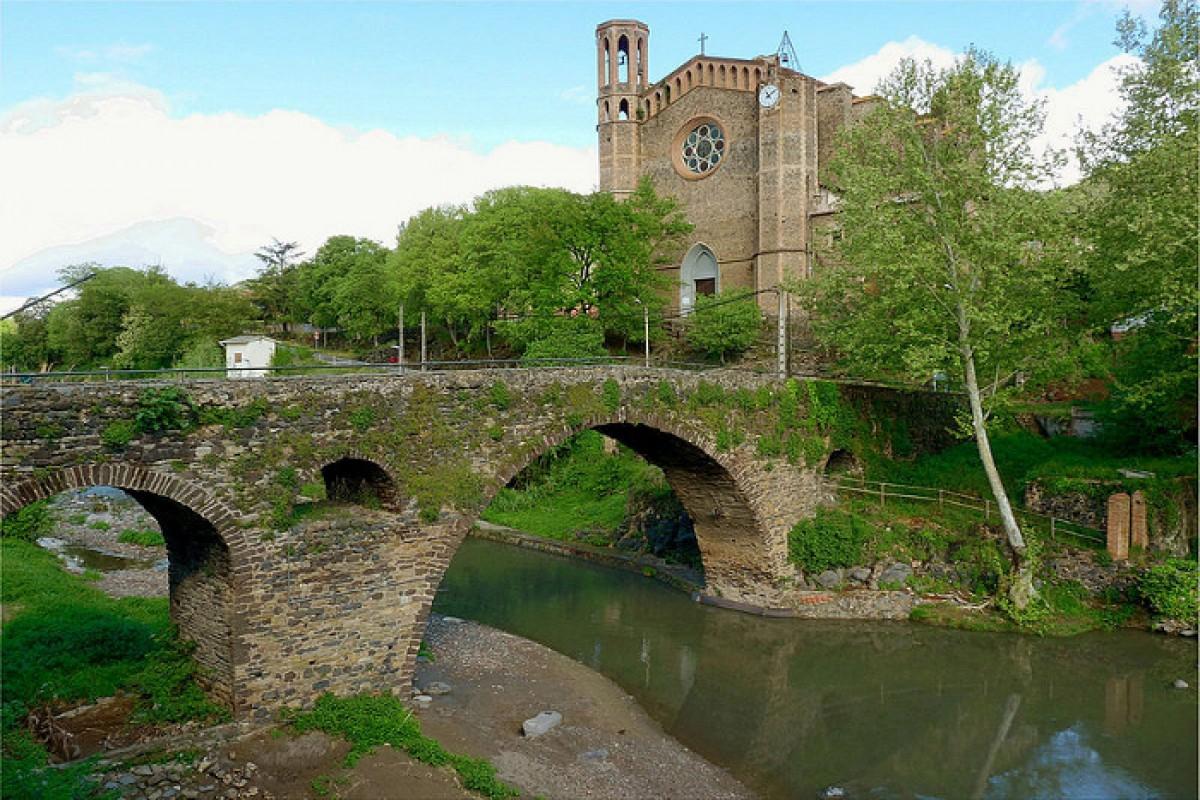 El pont medieval de Sant Joan les Fonts.