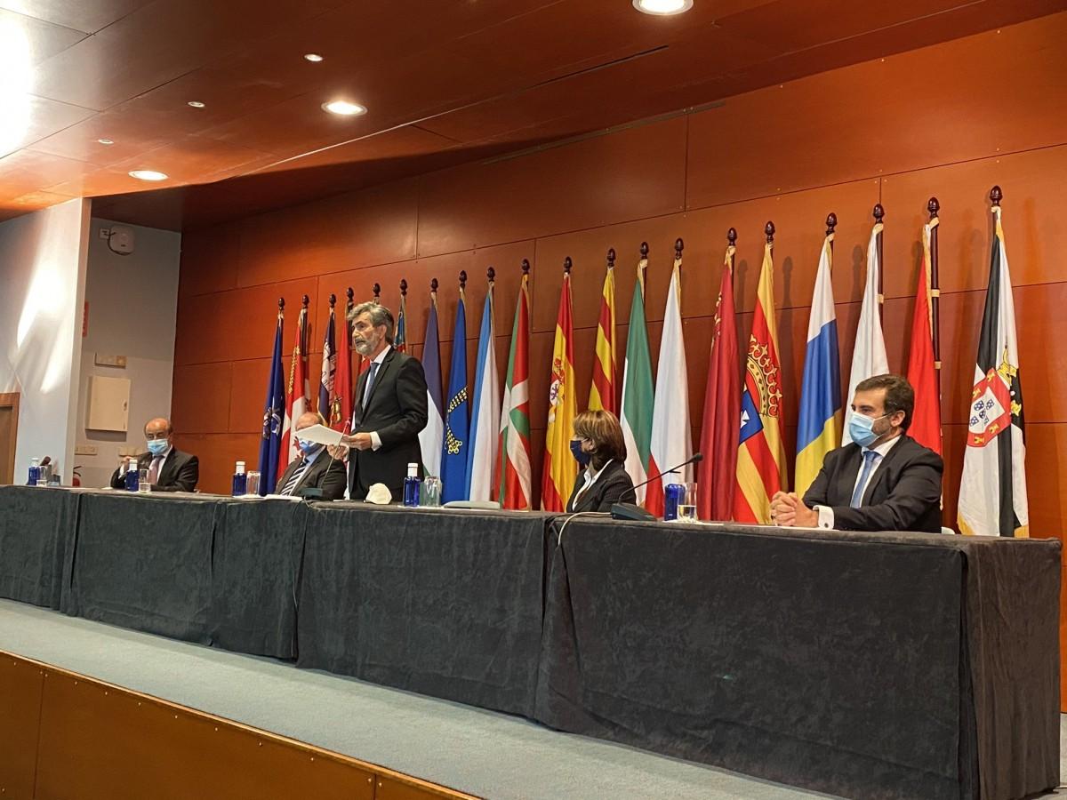 Carlos Lesmes amb el rei Felip VI, en una imatge d'arxiu