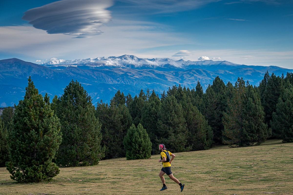 Els paisatges nevats del Pirineu han acompanyat als corredors