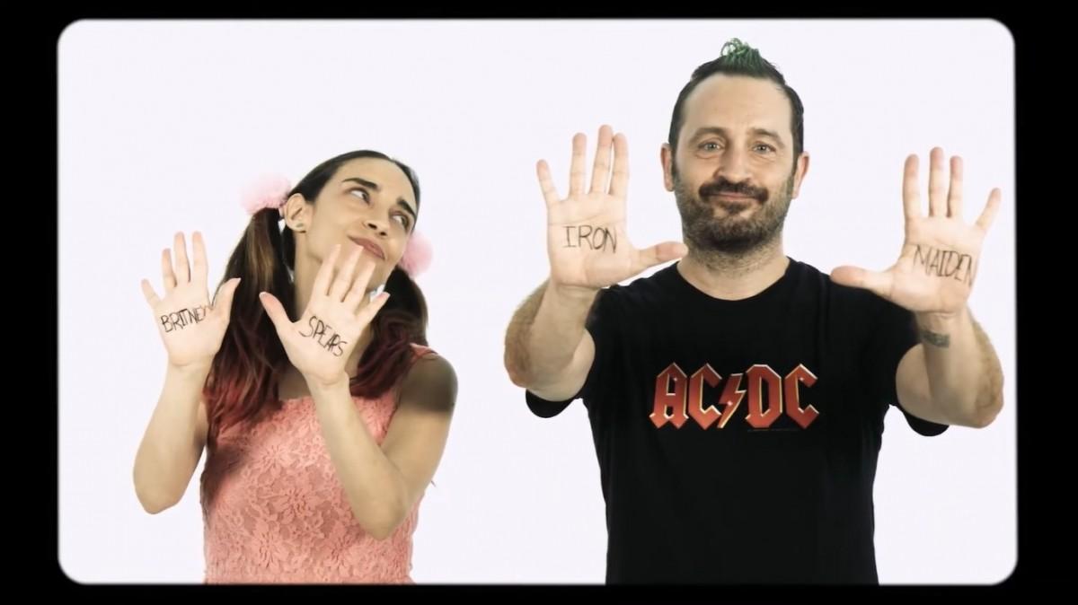 Roc Puig al clip «Diferents»