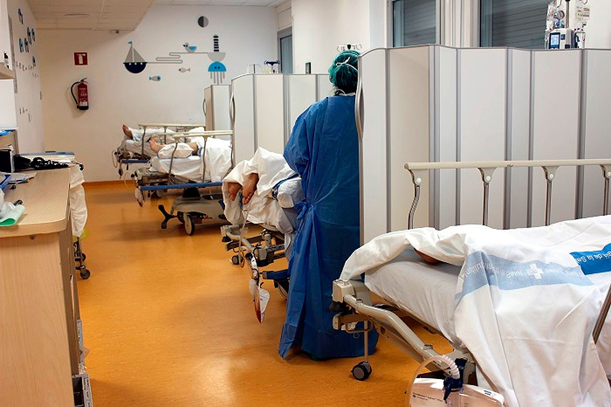 Habitació amb malalts de Covid a l'hospital Trueta de Girona