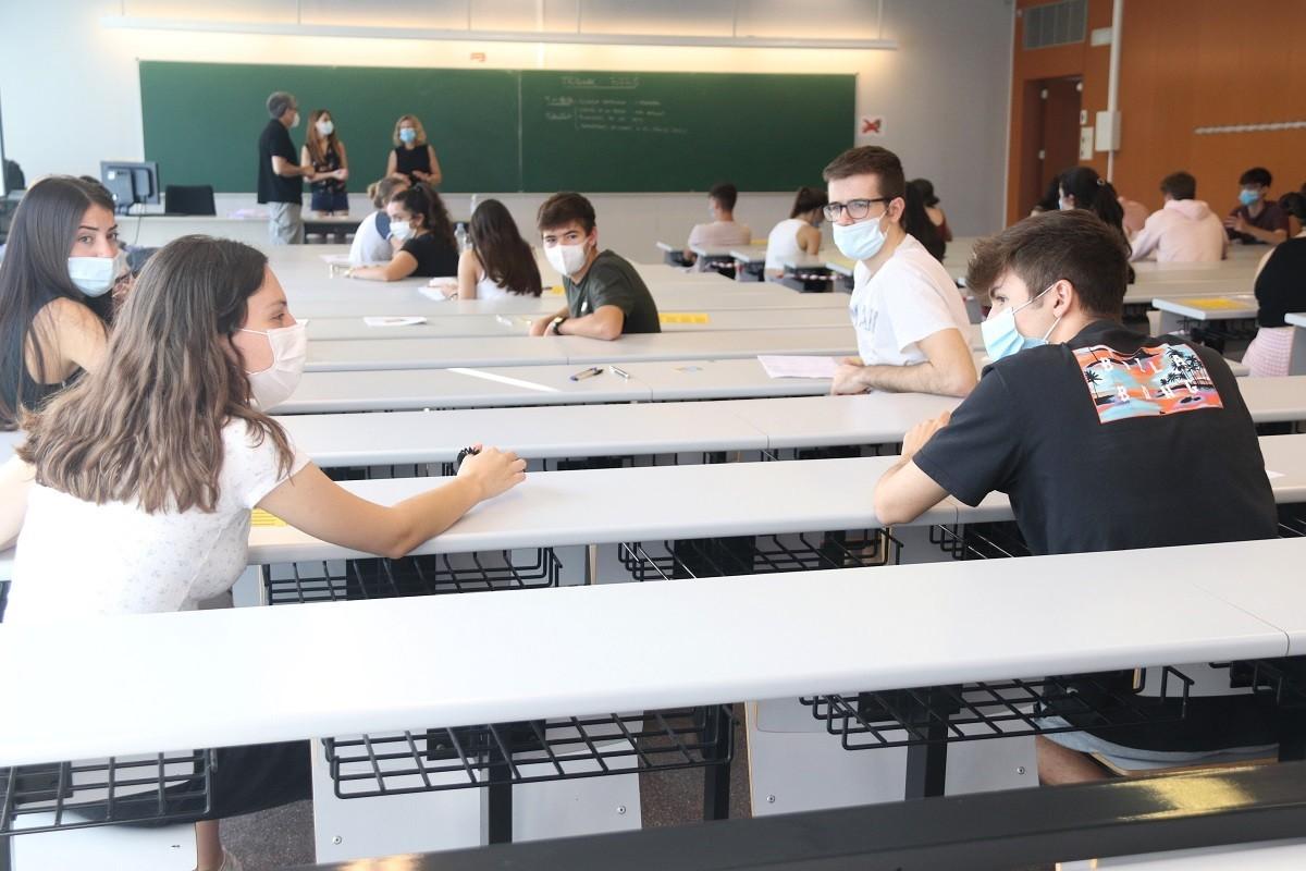 Estudiants en una classe del Campus Catalunya de la URV