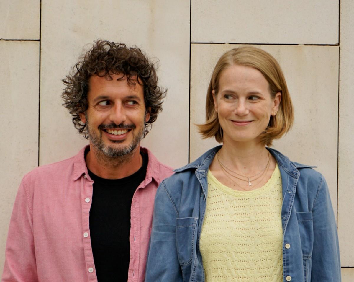 Uri Callau i Berta Errando són els actors de «Passa la vida», una de les píndoles de teatre ara posposada.