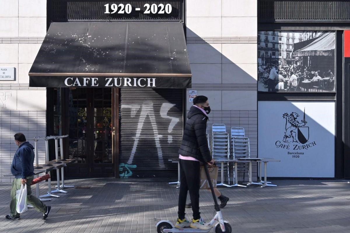 Locals de restauració tancats al centre de Barcelona.