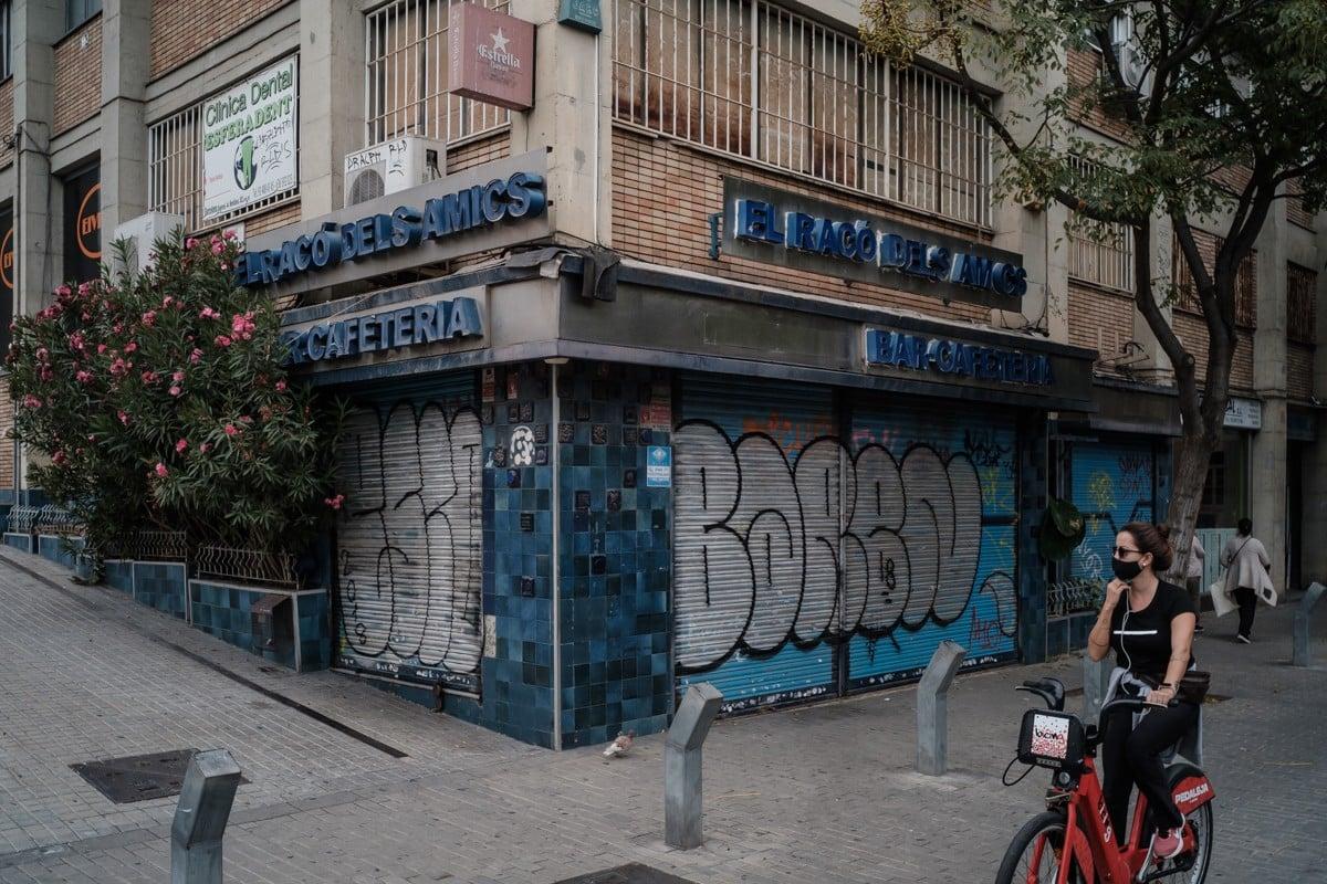 Un bar tancat, a la Sagrera, a Barcelona