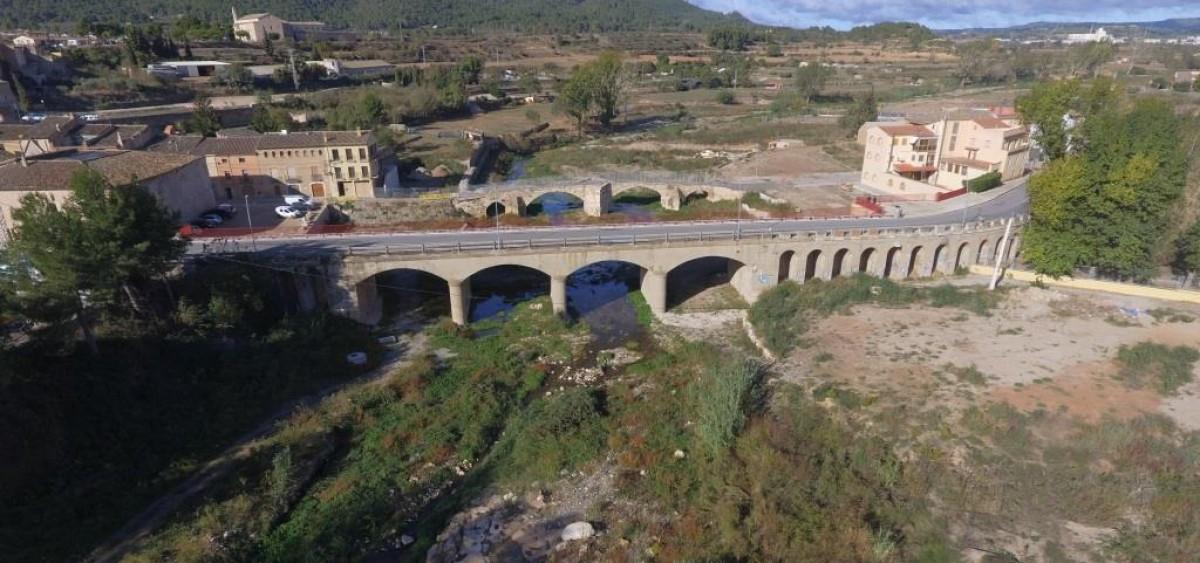 Imatge aèria del pont nou de Montblanc