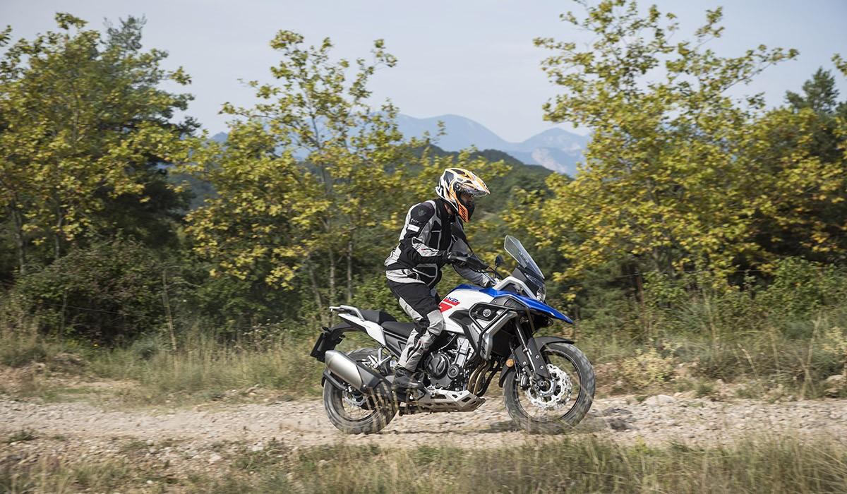 La Macbor Montana XR5 destaca sobre la competència fora de l'asfalt