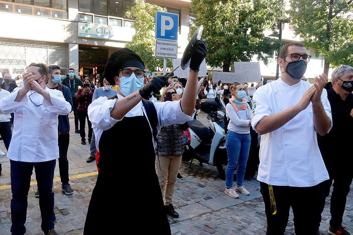 Un cuiner, a la protesta a Girona