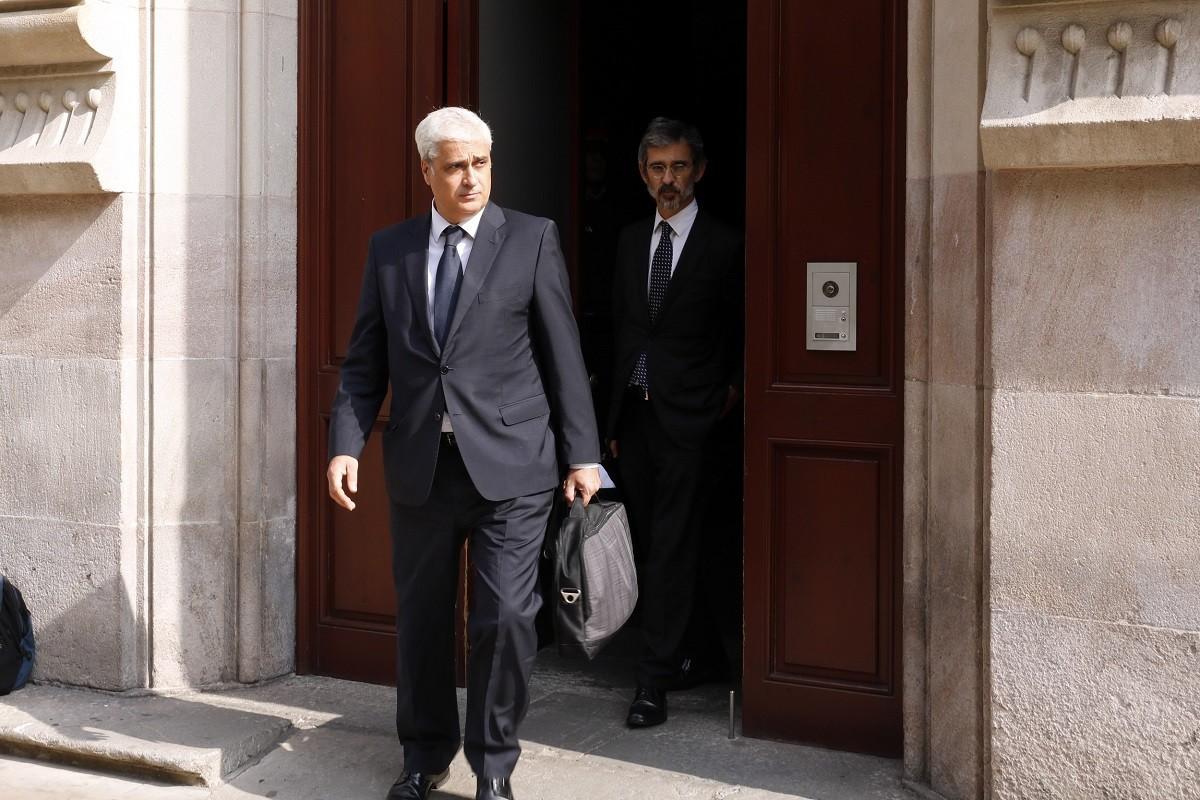 Germà Gordó, sortint del TSJC després de declarar com a investigat pel