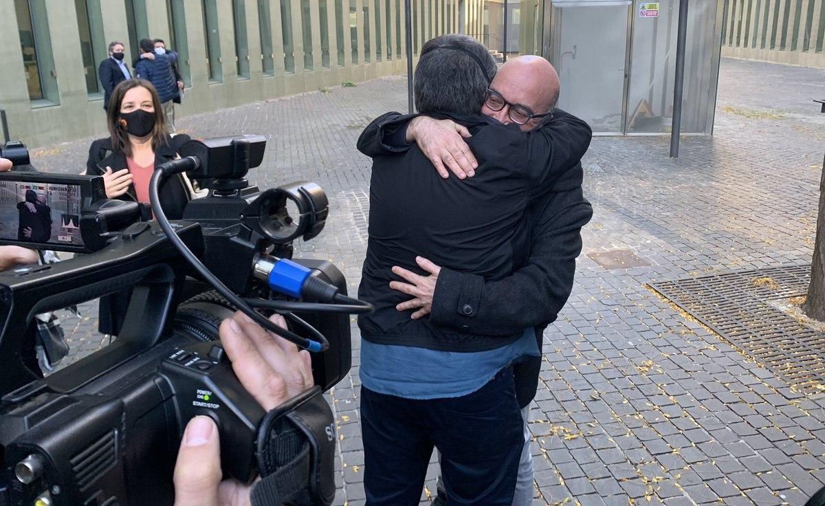 L'editor Oriol Soler després de sortir de la Ciutat de la Justícia aquest divendres