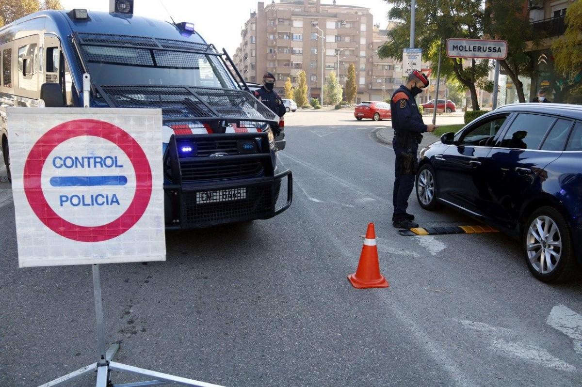 Control policial per controlar el confinament perimetral